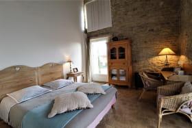 Chambres d'hôtes 'Le Clos de Pomeir' à Pommiers (Rhône, Beaujolais, proximité de Villefranche-sur-Saône) : la Chambre