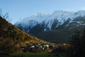 le hameau de la masure,un petit nid savoyard ou règne le calme et l'authenticité tout en étant à  proximité immédiate des stations de ski et des plus beaux itinéraires de randos