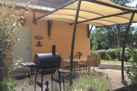 Terrasse avec un barbecue