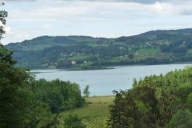 Les chalets au bord du Lac