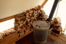 Poêle à bois pour chauffer les lodges