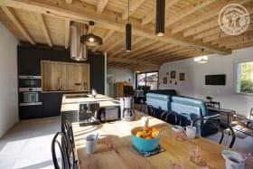 Grand espace de 70m² avec cuisine, séjour et salon