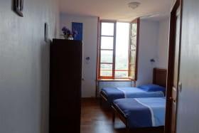 1er étage - Chambre bleue 2 lits - 1 douche