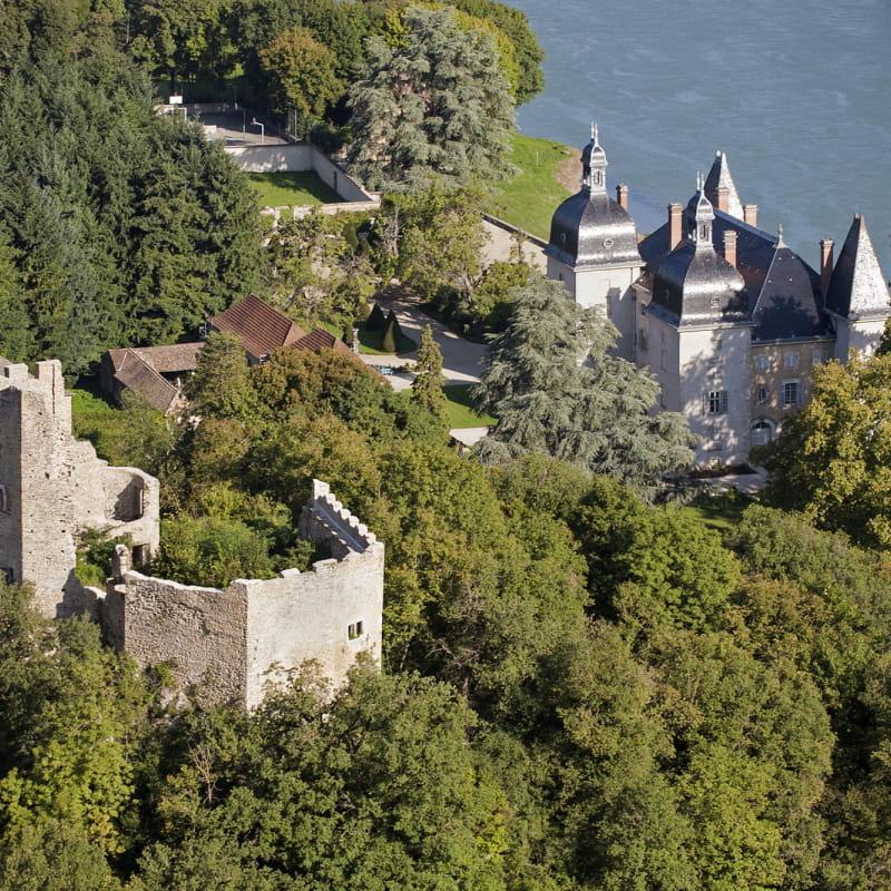 Les deux châteaux de Vertrieu