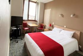 hotel3etoilesaixlesbainsrivieradesalpeshoteldeseauxchambredoublestandard