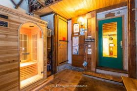 L'entrée avec le sauna