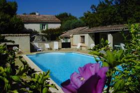Les Rouvieres Drome Provencale piscine http://www.lesrouvieres.fr