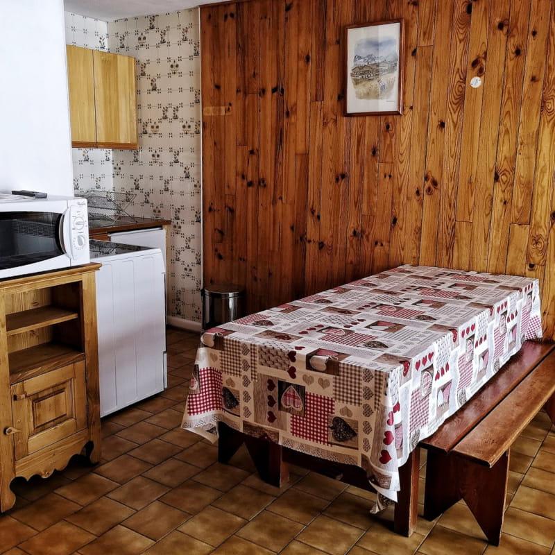 à Bonneval sur Arc, dans la résidence les Droses,appartement de 6 personnes en rez-de-jardin