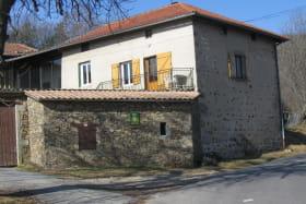 Gîte de l'Arvin à Chaussan (Rhône - Ouest Lyonnais) : la propriété.