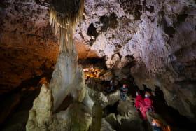 Grotte salle de la colonne