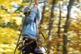 Parcours dans les arbres - Acro Pôle Aventure