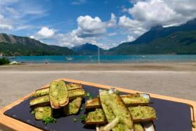 Restaurant sur la plage de Doussard lac Annecy