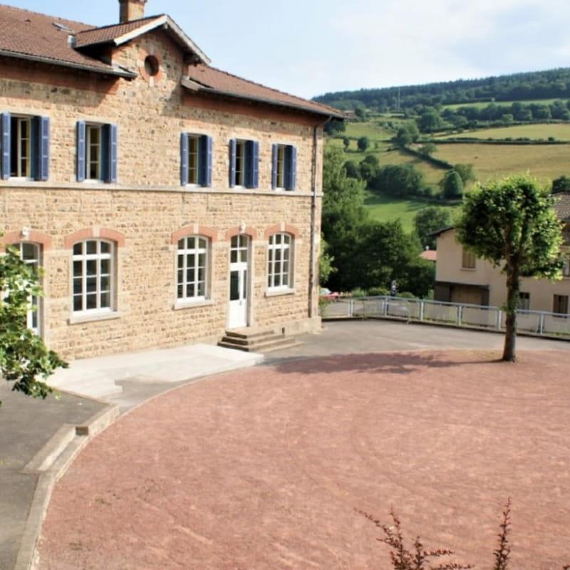 Grand Gîte (43 lits) des 2 Grosnes à Ouroux - Haut Beaujolais dans le Rhône.
