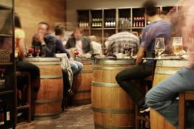 groupe au bar à bière