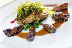 escalopine de foie gras poellée aux figues marinées
