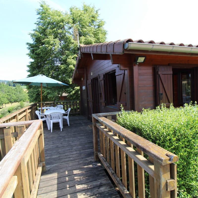 Chalet-Gîte du Plan d'eau d'Azole (Gîte N° 4) à Propières (Rhône - Beaujolais Vert)