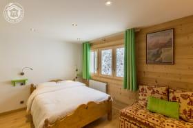 chambre principale (couchage 140 ) + sofa + tele