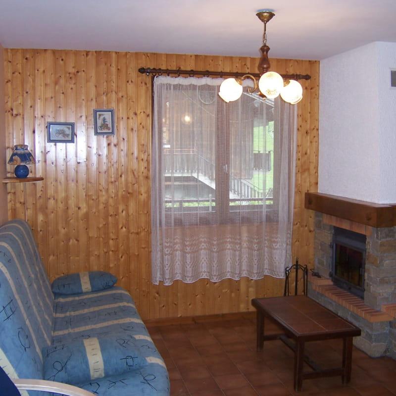 Séjour avec canapé/Living room with a sofa-Charvin n°3-Le Grand-Bornand