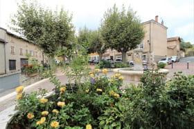 Gîte 'Chez Gaby et Pierrot' à Quincié-en-Beaujolais (Rhône, Beaujolais Vignobles) : le village.