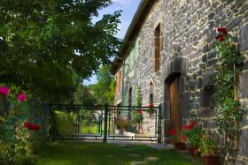 Maison Gite Frênes et Fleurs Gelles extérieur 2