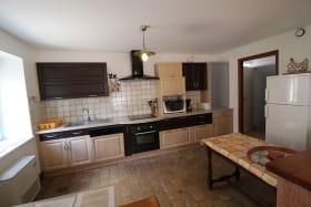 Gîte 'Le Clos Victorine' à Jullié (Rhône - Beaujolais): l'espace cuisine.