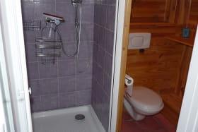 Coin douche et WC