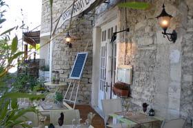 Détail terrasse - La Malle Poste