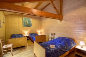 Chambre 2 avec 3 lits 90