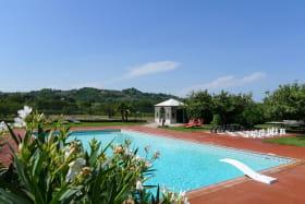 piscine 14m x 7m , plongeoir