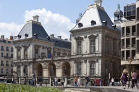 vue de la place Louis Pradel