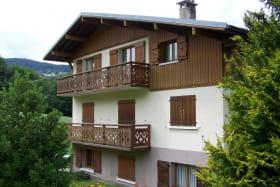 L'appartement est situé au 2ème étage du chalet