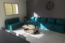 'Gîte de la Brosse' à Bibost (Rhône - Ouest Lyonnais, proximité de L'Arbresle) : pièce de jour, espace salon.