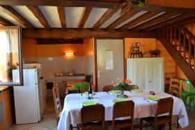 Gîte de La Treille à Corcelles-en-Beaujolais (Rhône) : le séjour.