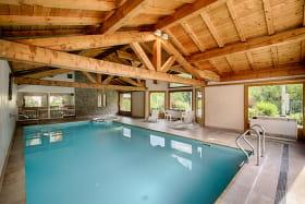 Indoor heated swimming pool + Jacuzzi