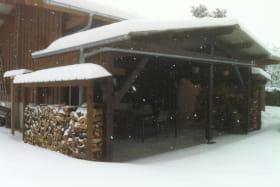 Le gite sous la neige.