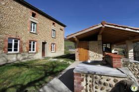 Maison traditionnelle de la Drôme des Collines avec pierre de galets