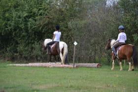 enfants sur poneys
