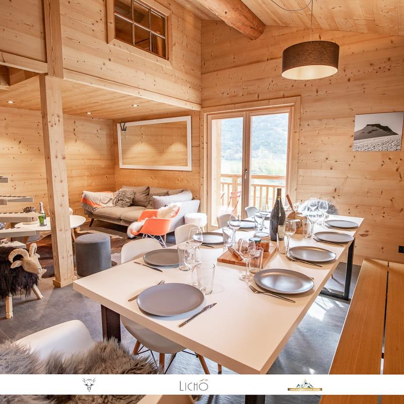 A Bonneval sur Arc dans un chalet individuel typique, appartement tout confort pour 10 personnes à 150 m des pistes