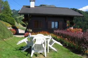 terrasse attenante commune aux 2 appartements composant le chalet