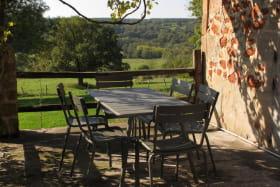 terrace avec vue de la vallée de l'Aumance