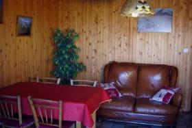 Appartement dans maison - 45m² - 2 chambres - Birraux Thérèse
