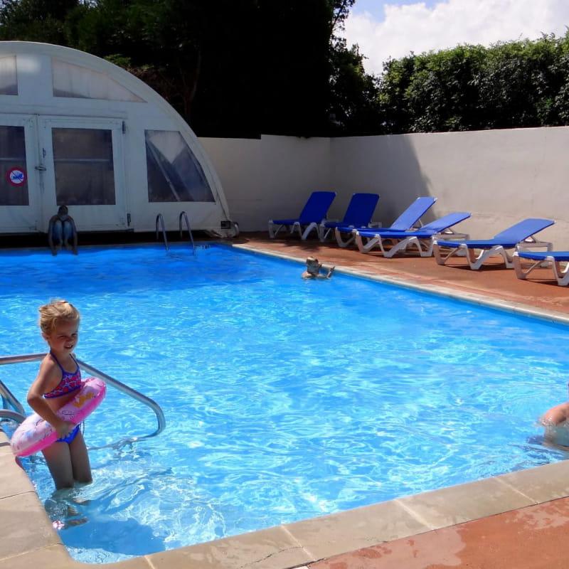 La piscine chauffée à 28°C
