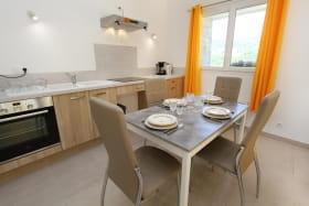 Coin cuisine et espace repas