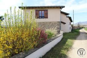 Gîte 'L'Orée des Vignes' à Cercié-en-Beaujolais (Rhône - Beaujolais): l'accès au gîte.