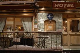 hotel le Monal porte d'entrée