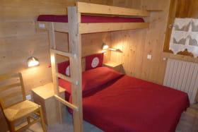 nurit-personnaz-eldrine-bessans-chambre2