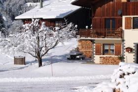 Cet appartement au rez de chaussée est pratique ...agréable et confortable pour vous permettre de profiter pleinement de vos vacances !