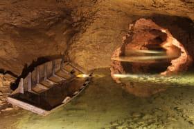 Lac souterrain des Grottes de La Balme
