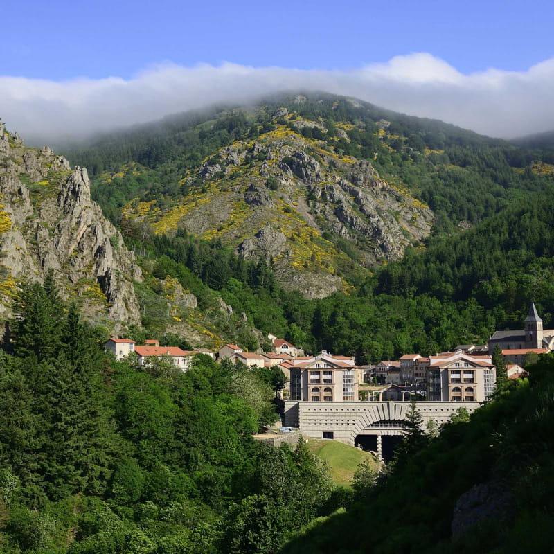 Tour de St Laurent les Bains