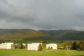 vue sur la montagne depuis l'appartement